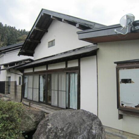 長谷堂城ふもとの歴史ある古民家
